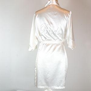 Bride robe by Girleo company